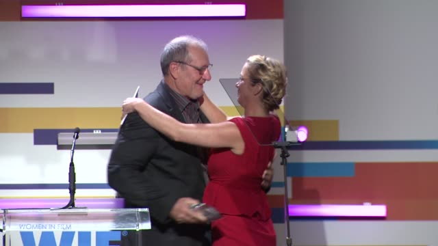 ed o'neill and christina applegate at the 2012 women in film crystal lucy awards speech ed o'neill and christina applegate at the at the beverly... - the beverly hilton hotel stock videos & royalty-free footage