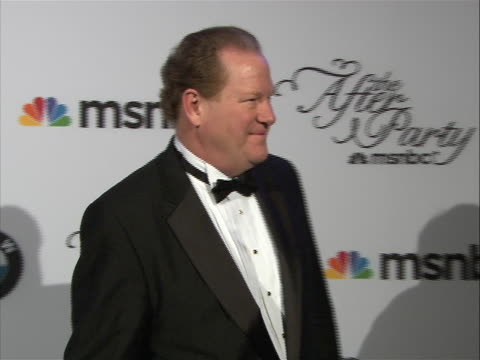 ed shultz posing on the red carpet at the white house correspondent's dinner. - msnbc stock videos & royalty-free footage