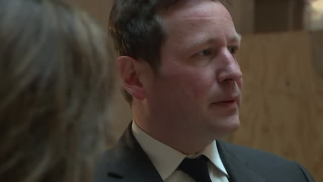 Ed Vaizey sets out vision in first arts white paper for 50 years as he visits Hull the next City of Culture ENGLAND KingstonuponHull Cards holding...