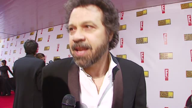 ed zwick on being nominated, on oscar chances at the broadcast film critics association's 2007 critic's choice awards at santa monica civic... - ブロードキャスト映画批評家協会点の映像素材/bロール