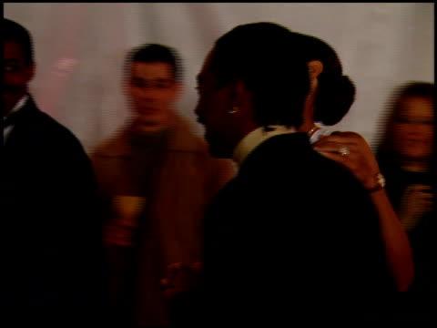 vídeos y material grabado en eventos de stock de eddie murphy at the 1997 people's choice awards at santa monica airport in santa monica, california on january 12, 1997. - people's choice awards