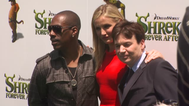eddie murphy cameron diaz and mike myers at the 'shrek forever after' premiere at universal city ca - universal city video stock e b–roll