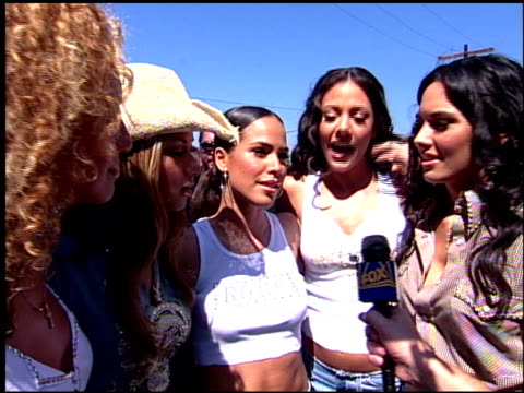 eden's crush at the 2001 teen choice awards arrivals at universal amphitheatre in universal city california on august 12 2001 - annual teen choice awards stock videos & royalty-free footage