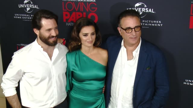 "vídeos de stock, filmes e b-roll de edgar ramirez penelope cruz andy garcia at ""loving pablo"" los angeles special screening in los angeles ca - penélope cruz"