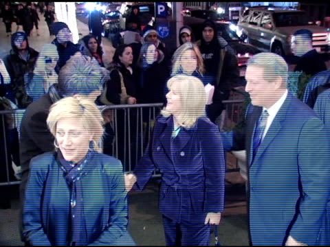 vídeos de stock, filmes e b-roll de edie falco tipper gore and al gore at the 'three burials of melquiades estrada' new york premiere at the paris theater in new york new york on... - tipper gore