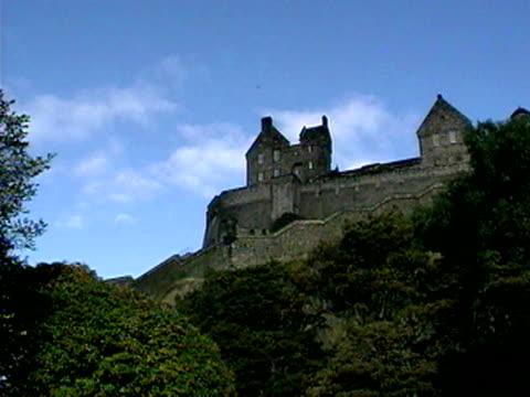 edinburgh castle, edinburgh, scotland - 2001 stock videos & royalty-free footage