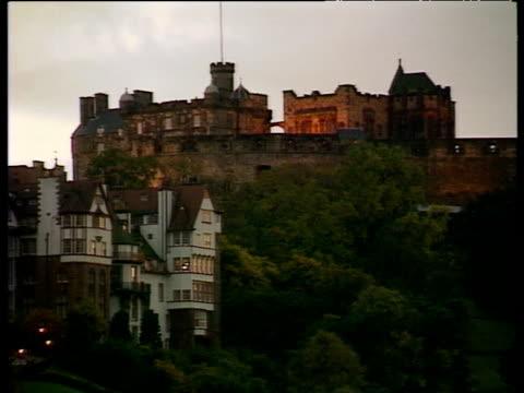 edinburgh castle in evening light - edinburgh castle stock videos & royalty-free footage