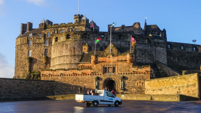 castello di edimburgo in scozia, regno unito - scottish culture video stock e b–roll