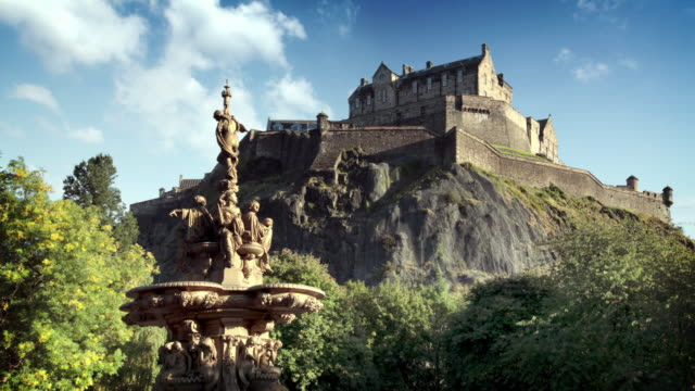 edinburgh castle, scotland, uk - edinburgh scotland stock videos & royalty-free footage