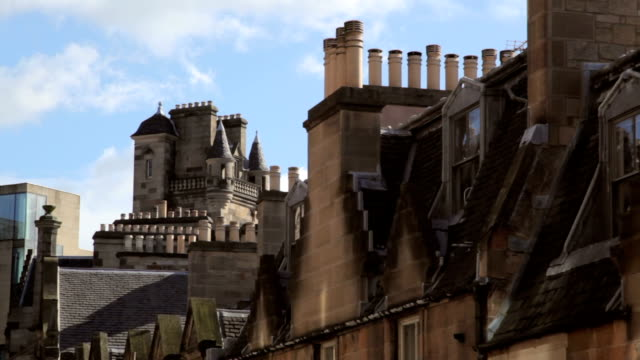 edinburgh city centre skyline with modern and traditional architecture - victorian stock videos & royalty-free footage