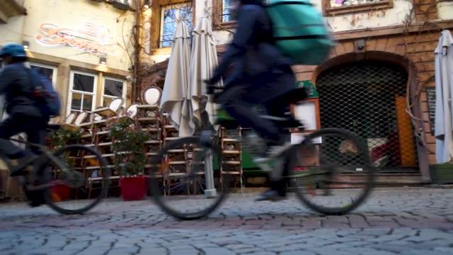 15th march 2020: strasbourg, france. the empty city of strasbourg. quarantine time. coronavirus epidemic. no people. cafes and shops are closed. - editorial bildbanksvideor och videomaterial från bakom kulisserna