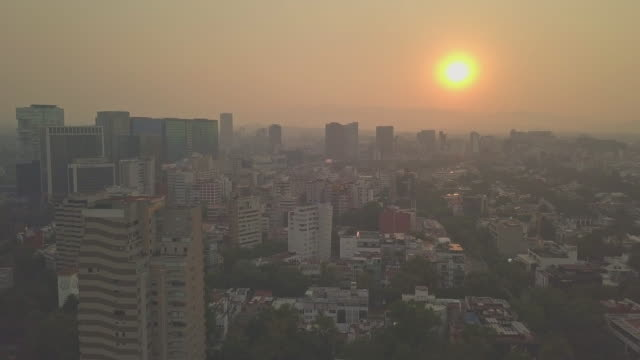 stockvideo's en b-roll-footage met mexico city very unhealthy air quality day this is the stuff of editorial i shot these images today from a drone these are aerial shots from polanco... - pardo