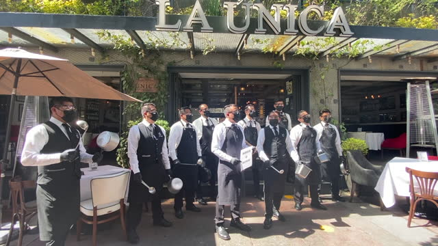 restaurants making noise in mexico city - open or die in this age of covid on february 4th, 2021 the restaurant workers went to the street in mexico... - editorial stock videos & royalty-free footage