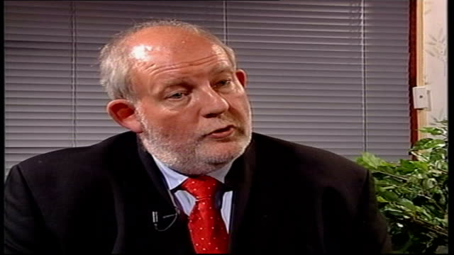 education plans unveiled by conservatives; itn england: london: ext int charles clarke mp interview sot - there are two major differences between... - mp stock-videos und b-roll-filmmaterial