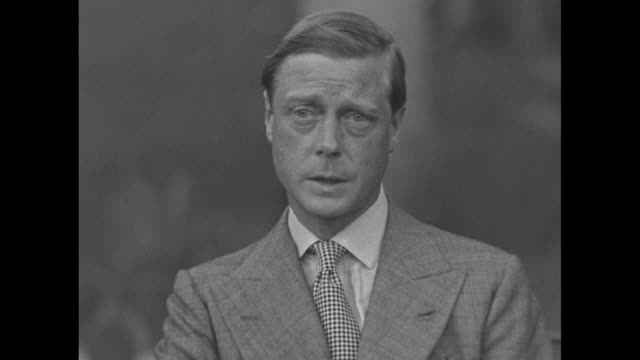 edward, duke of windsor, at an interview in nassau: bahamas have always had good relations with america, and i sincerely hope that americans will... - エドワード8世点の映像素材/bロール