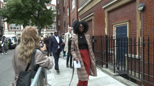 stockvideo's en b-roll-footage met edward enninful on september 16 2019 in london england during london fashion week - week