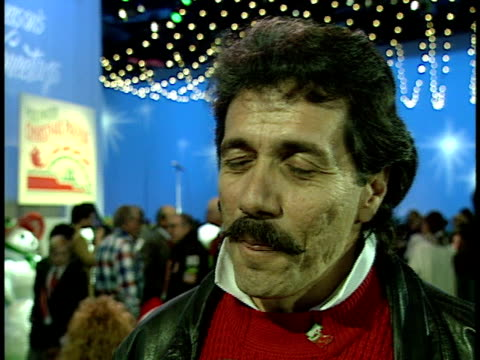 edward james olmos talks about his memories of the parade and his work - sfilata di natale di hollywood video stock e b–roll