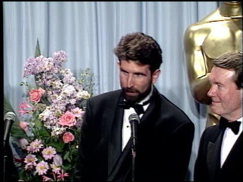 vidéos et rushes de edward jones at the 1989 academy awards at the shrine auditorium in los angeles, california on march 29, 1989. - 61e cérémonie des oscars