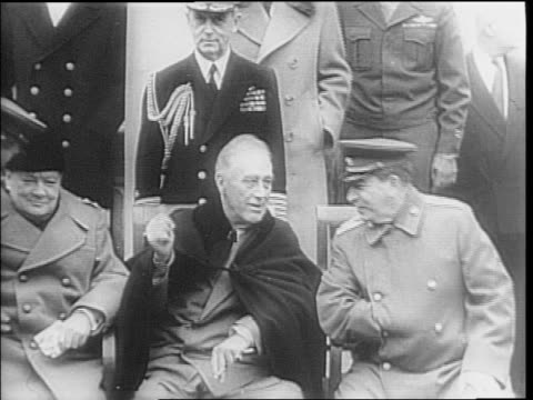 edward stettinius, harry hopkins, winston churchill, franklin d roosevelt and joseph stalin arrive for meeting in yalta / men shake hands near plane... - 1945 stock-videos und b-roll-filmmaterial