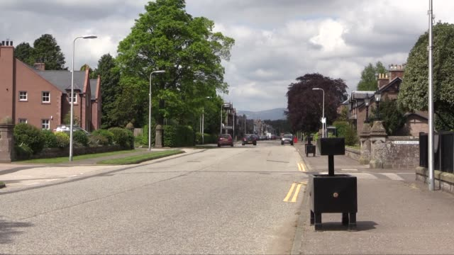 edzell is a georgianera planned town with a broad main street and a grid system of side streets the population in 2004 was 780 - スコットランド ダンディー点の映像素材/bロール