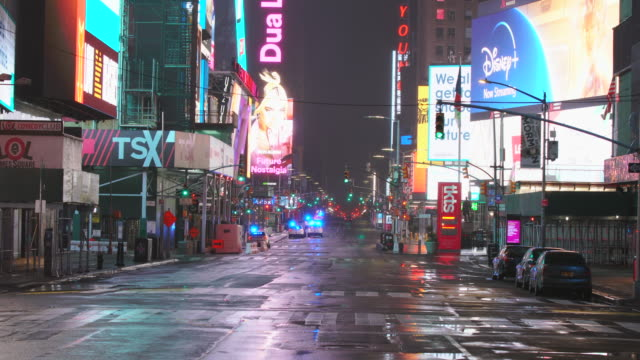 effect to new york nightlife. - times square manhattan stock videos & royalty-free footage