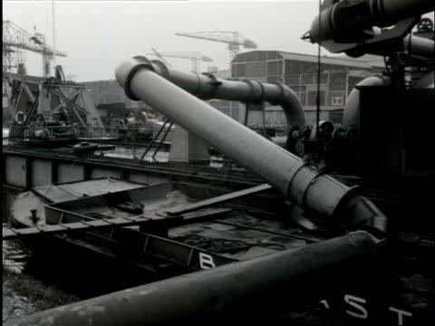 stockvideo's en b-roll-footage met effects of flooding in tuindorp oostzaan in amsterdam / amsterdam noordholland netherlands - noord holland
