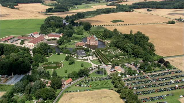 Slot Egeskov - luchtfoto - Zuid-Denemarken, Faaborg-Midtfyn Kommune, Denemarken