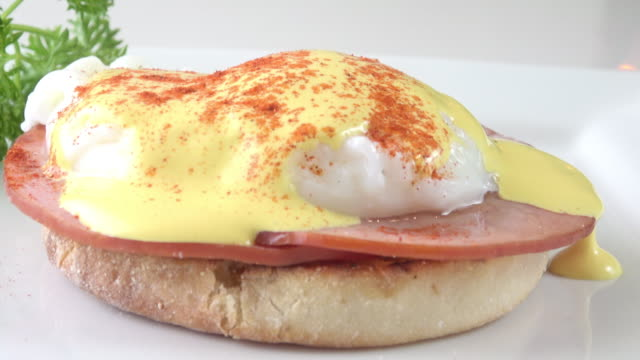 eggs benedict - sandwich stock videos & royalty-free footage