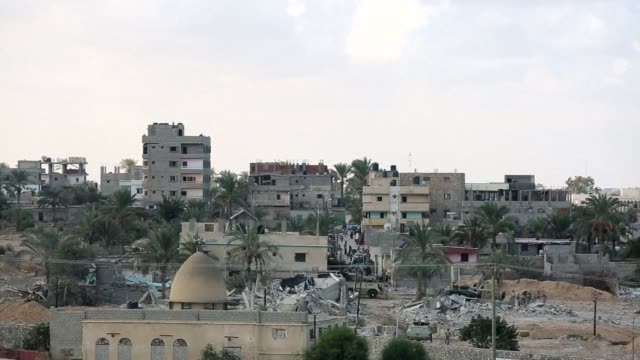 egypt began setting up a buffer zone along its border with the gaza strip wednesday to prevent militant infiltration and arms smuggling following a... - gaza strip stock videos & royalty-free footage