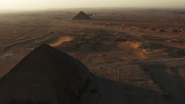 egypt, giza: - piramide struttura edile video stock e b–roll