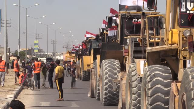 egypt on friday sent a convoy of engineers and building equipment to gaza through the rafah crossings to begin the city's reconstruction. the... - egypt stock videos & royalty-free footage