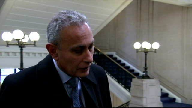vídeos y material grabado en eventos de stock de egyptian coptic christians beheaded by islamic state ambassador interview england london millbank int nasser kamel intervew on egyptian beheadings sot - decapitado