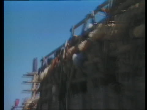 egyptian prisoners of war crowd onto a truck, having been captured during fighting with israeli soldiers. - prisoner stock videos & royalty-free footage