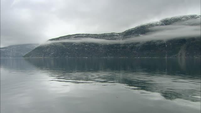 stockvideo's en b-roll-footage met eidfjorden, norway - extreem terrein