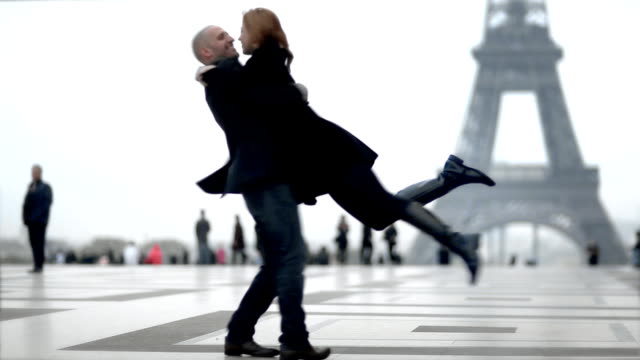 eiffel kissies - flirting stock videos & royalty-free footage