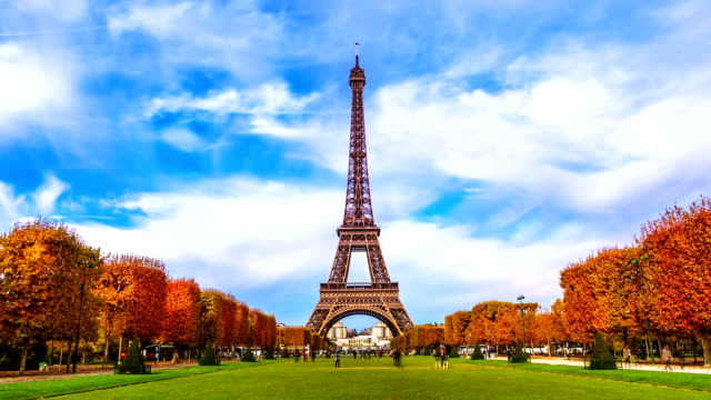 eiffel tower at autumn - eiffel tower stock videos & royalty-free footage