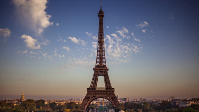 Eiffel Tower Day to Night Timelapse