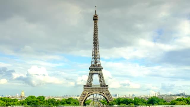 eiffel tower  dramatic sky - las vegas replica eiffel tower stock videos & royalty-free footage