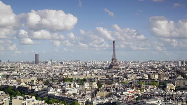 eiffel tower, elevated view over the city skyline, paris, france, europe - eiffelturm stock-videos und b-roll-filmmaterial
