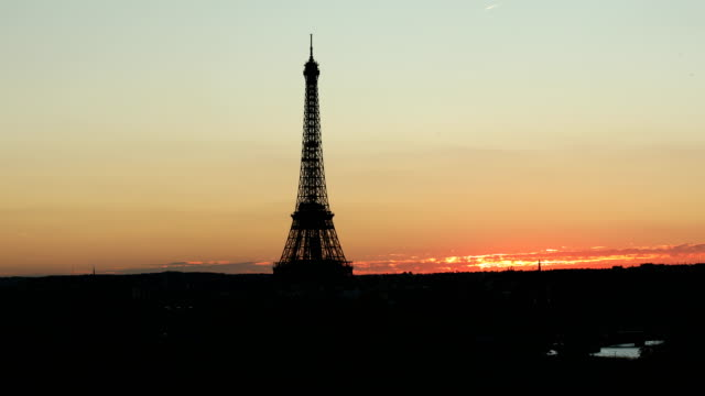 Eiffel Tower Horizon