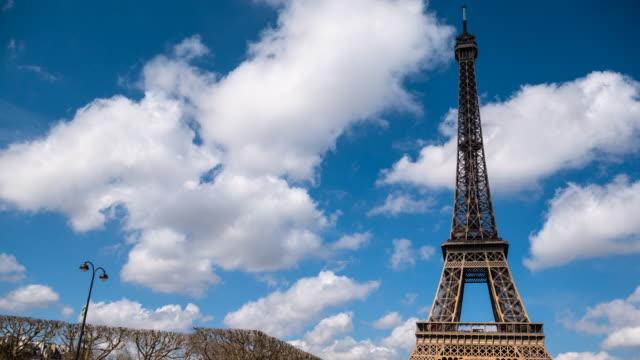 stockvideo's en b-roll-footage met eiffel toren in parijs - capital cities