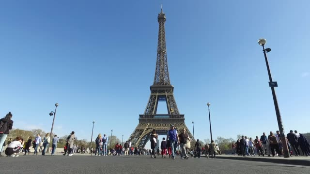 eiffel tower, paris - eiffel tower paris stock videos & royalty-free footage