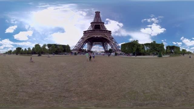 eiffel tower paris - eiffel tower stock videos & royalty-free footage