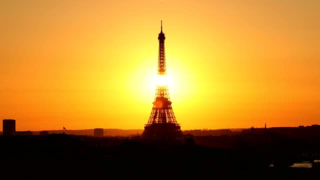 エッフェル塔の夕日 - エッフェル塔点の映像素材/bロール