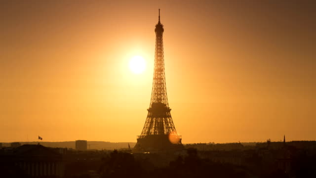 eiffel tower sunset - eiffel tower paris stock videos & royalty-free footage