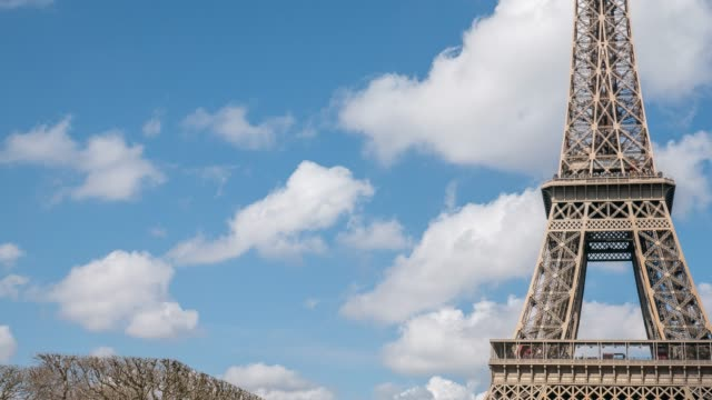 eiffel tower - replica della torre eiffel video stock e b–roll