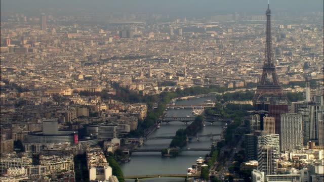 aerial eiffel tower with ile des cygnes and bridges/ paris, france - pont de grenelle stock videos and b-roll footage