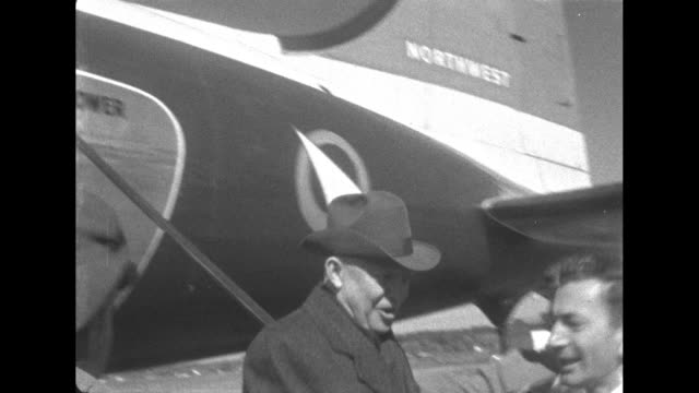 eisenhower comes off an airplane to campaign for the election in chicago illinois - 1952 stock videos & royalty-free footage