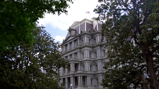 eisenhower executive office building - white house west - zoom in - pennsylvania avenue stock videos & royalty-free footage