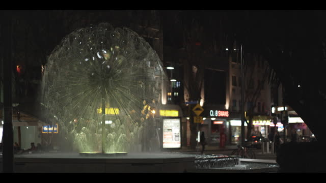 el alamein fountain in king's cross, sydney - nightlife stock videos & royalty-free footage